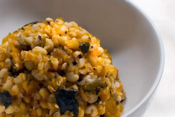 【蔬食廚房】麻油南瓜薏仁飯