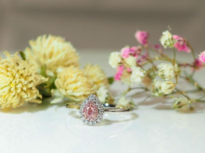 相隨一生水滴型粉鑽戒指