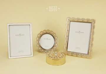 白金蕾絲裝飾禮盒