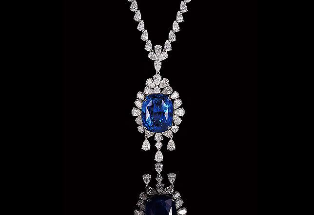 藍寶鑽石套鍊(60.62克拉)